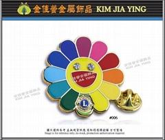 Customized color enamel metal badge