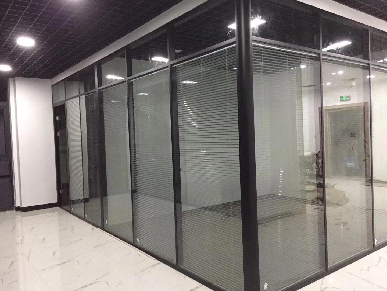 上海办公室玻璃隔断-上海百叶玻璃隔断 1