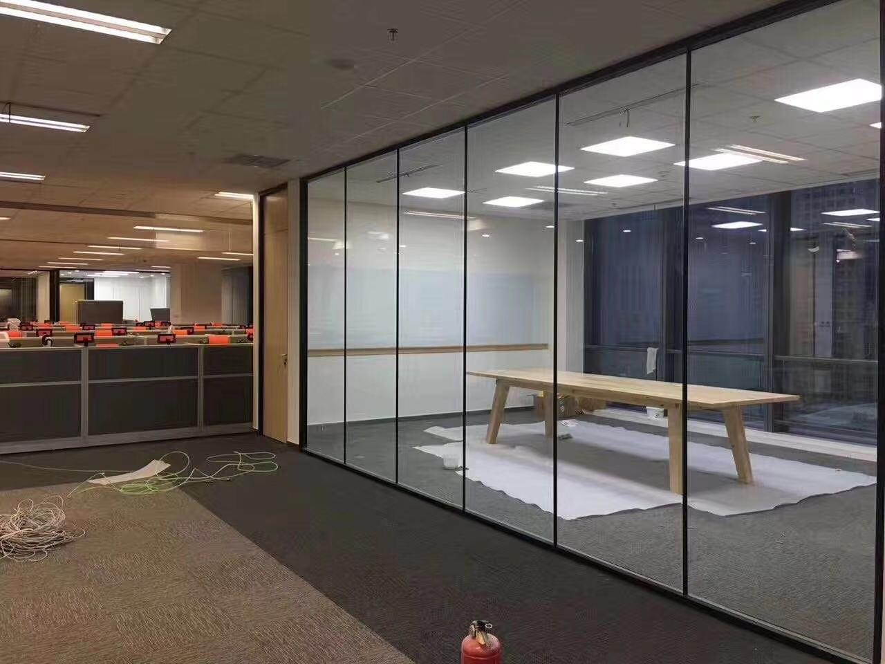 上海办公室玻璃隔断-上海百叶玻璃隔断 4