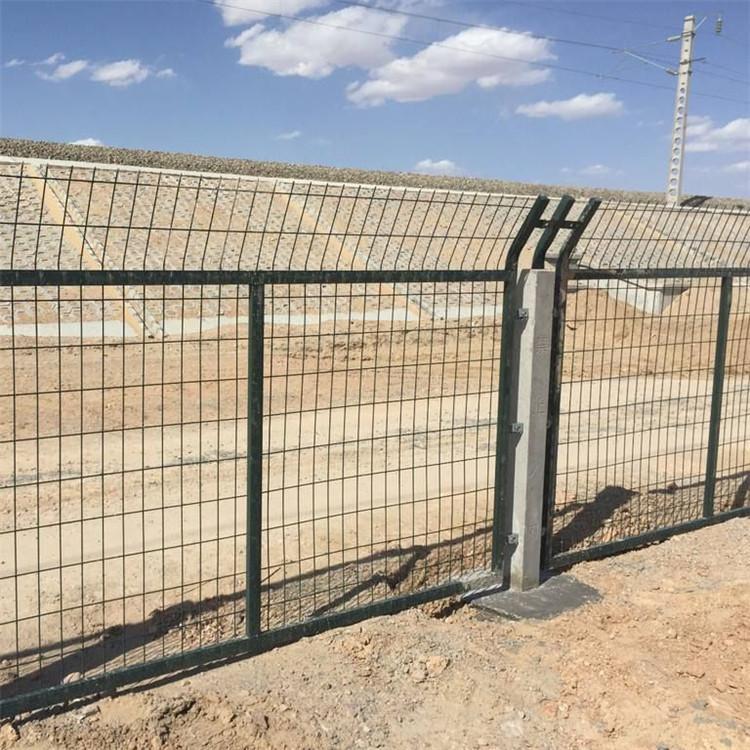 铁路防护栅栏,铁路围栏网,铁路防护网 1
