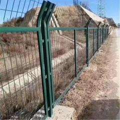 铁路防护栅栏,铁路隔离栅,铁路防护网