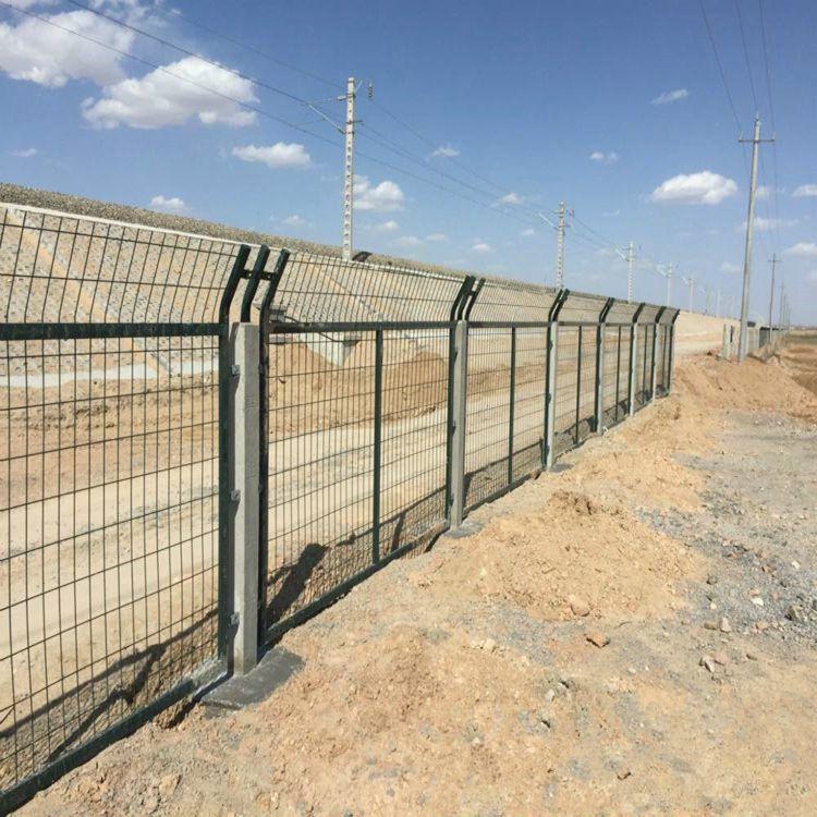 铁路防护栅栏,铁路隔离栅,铁路防护网 2