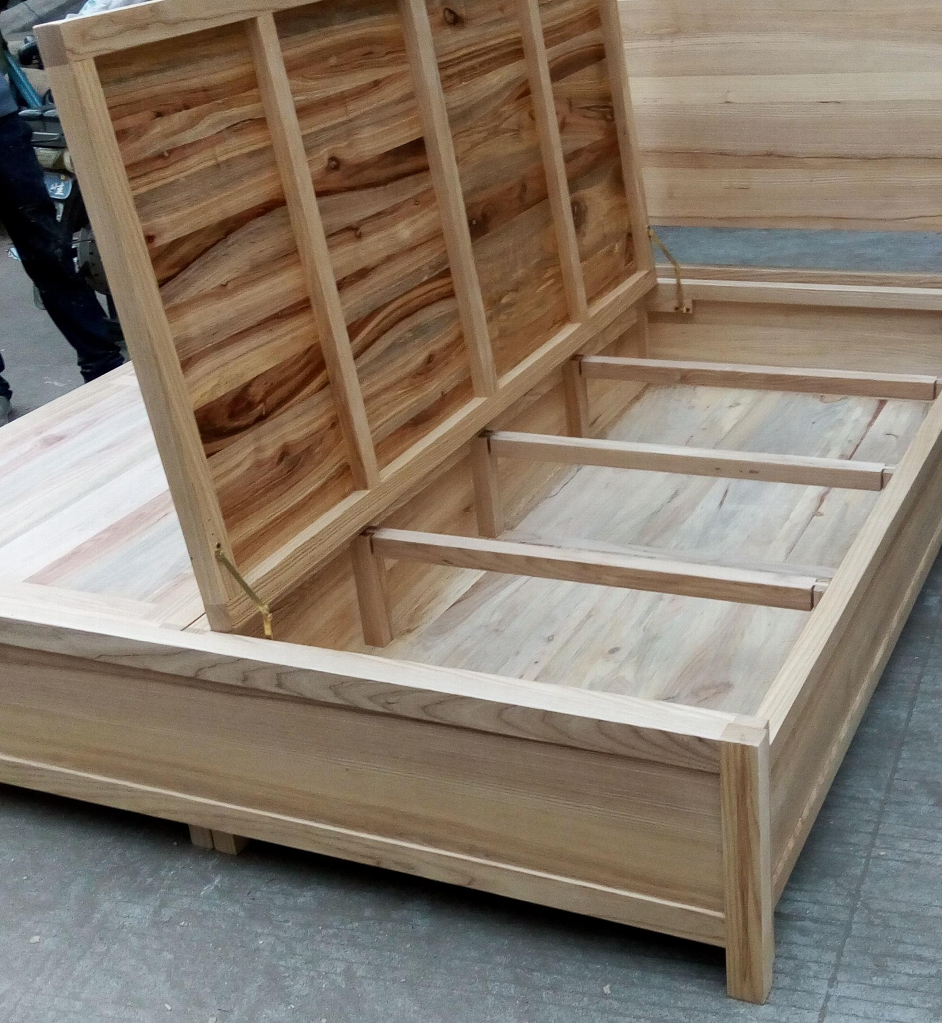 king size bed with 2 storages,elm and camphor wood 3