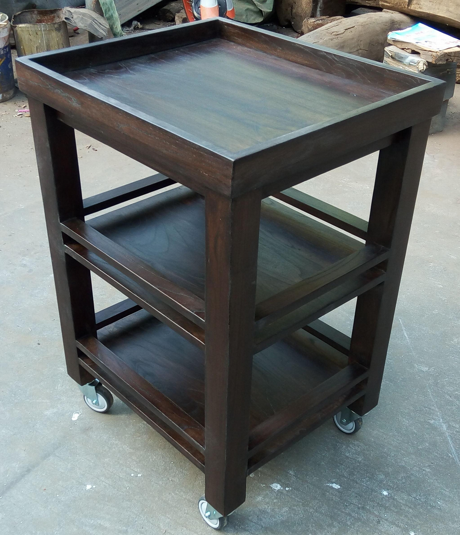tea table movable with wheels