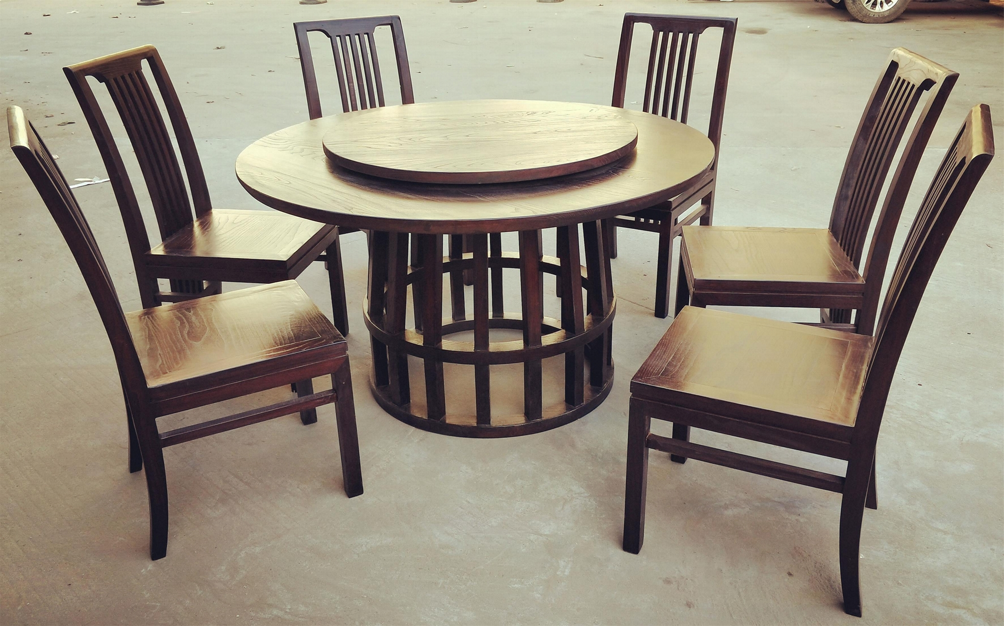 ash wood round dining table and chair 1