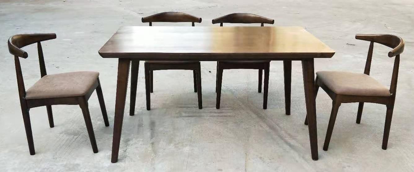 白蠟木餐台,配6張餐椅 1