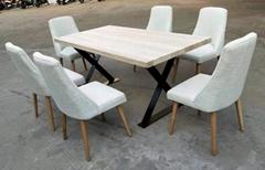 铁脚餐台,配软包座垫餐椅