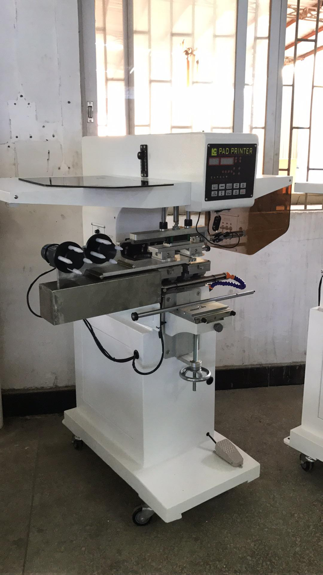 pad shuttle garment neck label pad printing machine with pad cleaning system 4