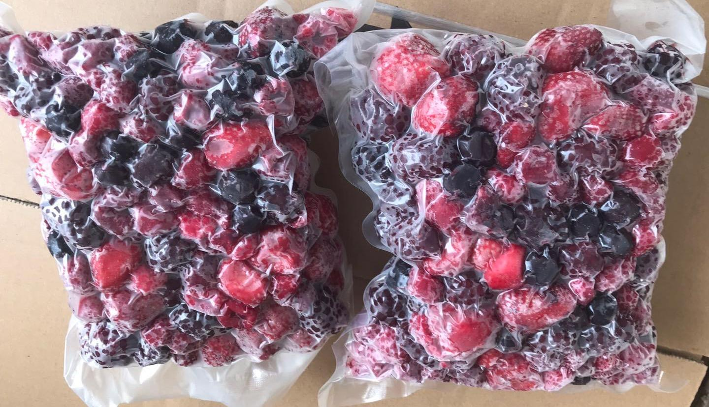 Vacuum packed IQF mixed berries,Frozen mixed berries 1