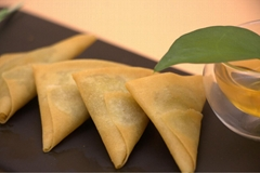 Vegetable Samosa,Frozen Dim Sum,Asian Food,Oriental Food,Snacks,Party Food