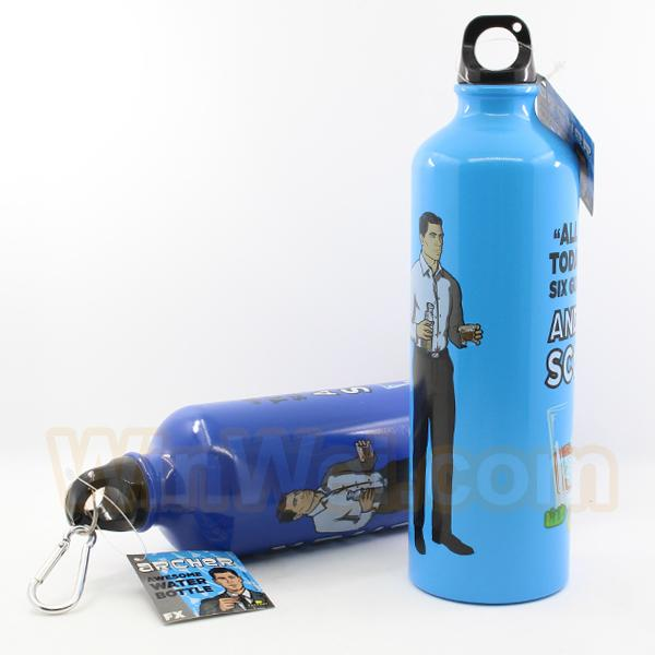 700ml Insulated Stainless Steel Thermal Water Bottle with carabiner
