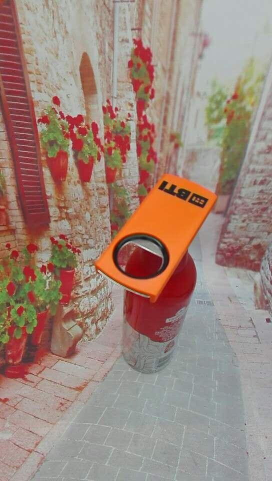 plastic beer opener & stopper 1613865 2