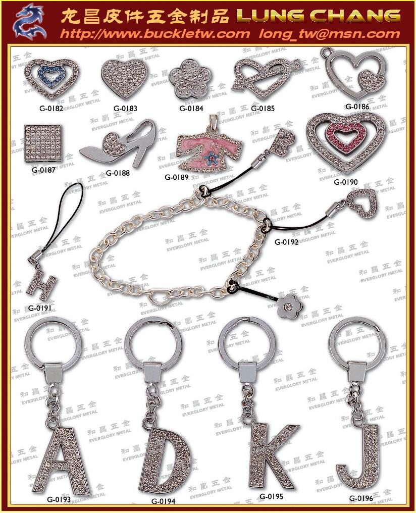 水鑽字母 吊飾配件 皮革飾品五金183 5