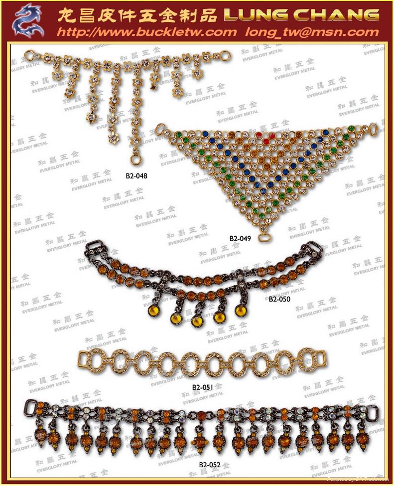 鞋釦五金 服裝扣環 皮包五金  品牌吊飾 水鑽飾品      017 5