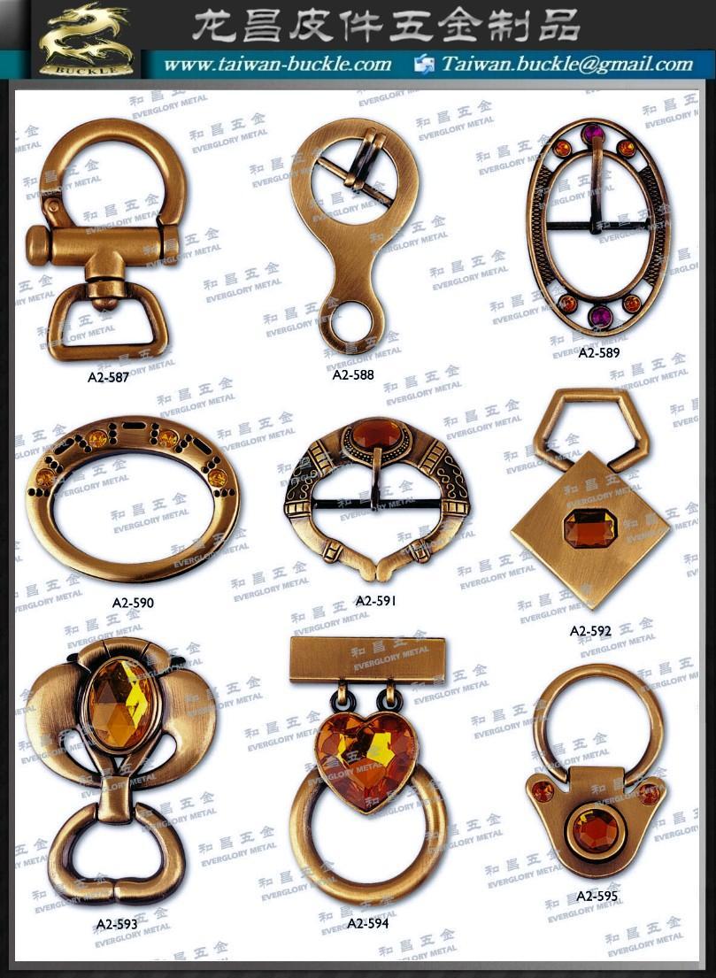 皮包 水鑽 帶頭 名牌 吊飾 五金 飾品 扣環 1