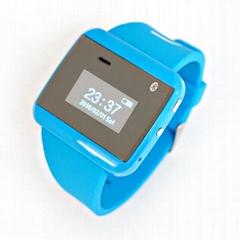 最新的时尚智能蓝牙手表麦克风音乐号码同步可用于智能手机