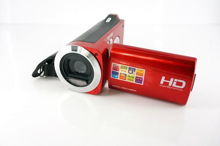 HD720P digital video camera with 2.7'' TFT display  max 16MP 4x digital zoom 8