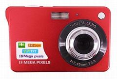 1800万数码相机与2.7''TFT显示屏支持4倍数码变焦锂电池