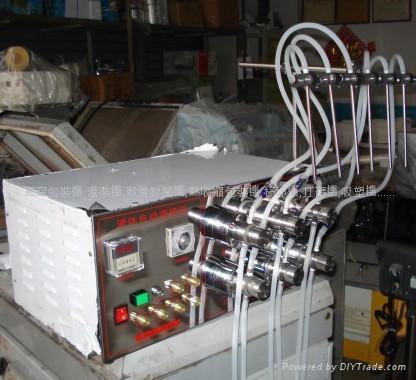六头头磁力泵灌装机(大泵) 1