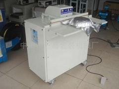 Pneumatic vacuum packing machine
