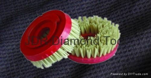 Snail lock diamond brush 1