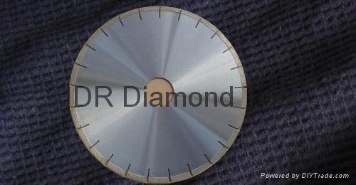 Arrayed diamond saw blades 2