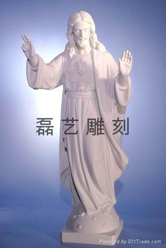 教堂圣母玛利亚汉白玉雕刻 3