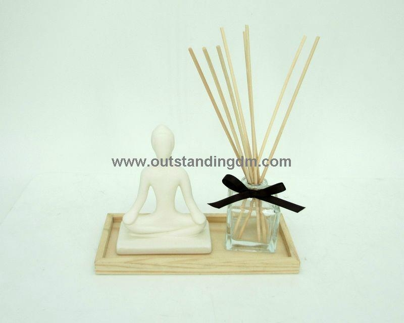 reed diffuser with  wooden tray,  ceramic decoration yoga, clear glass bottle with  ribbon
