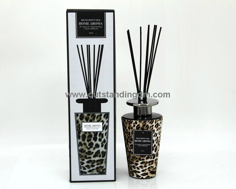 reed diffuser in luxury packaging box