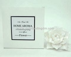 ceramix flower in paper box