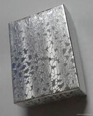 銀色壓紋紙盒