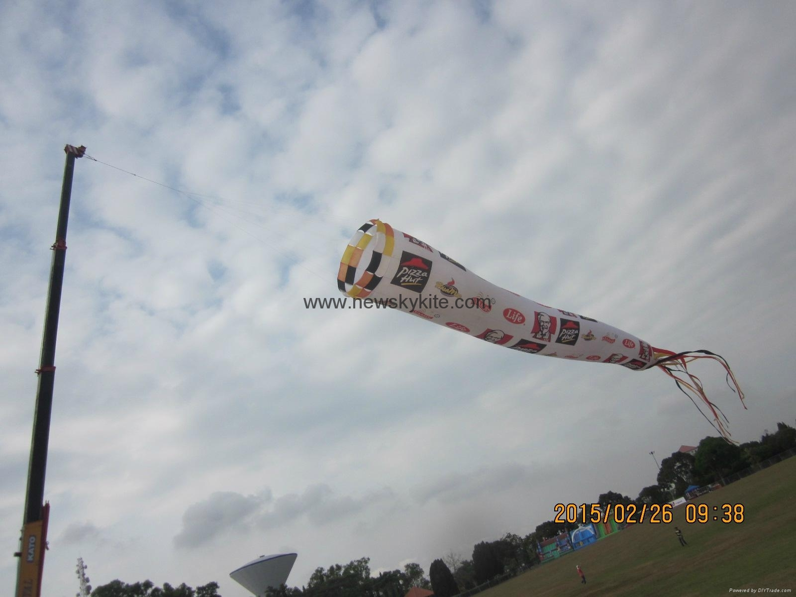 Rotating tube kite for promotion