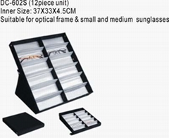Retractable Eyewear Showcase Trays