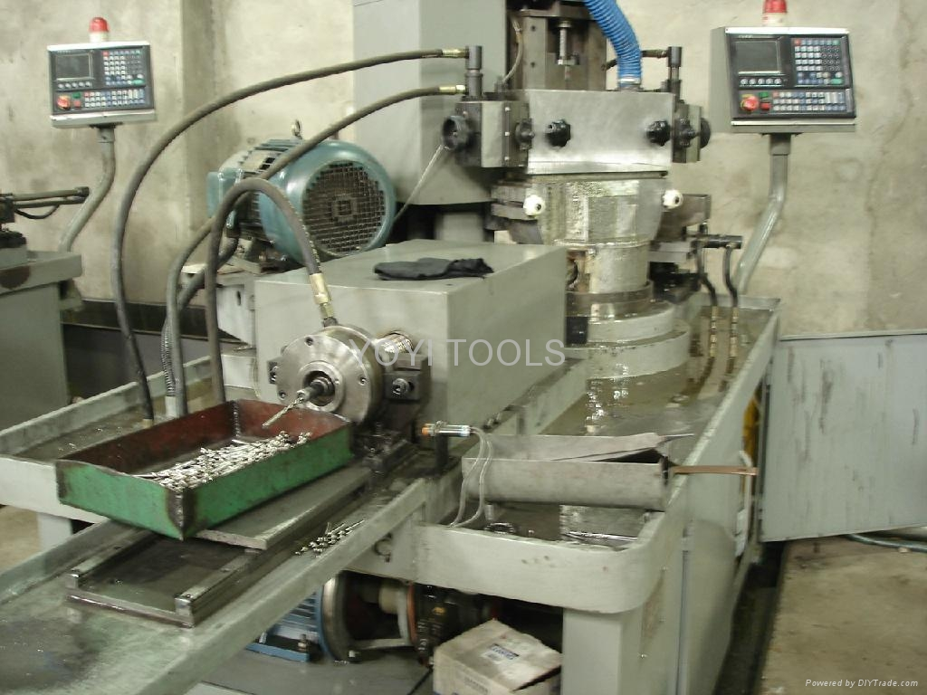 computer control automatic flute ground machine