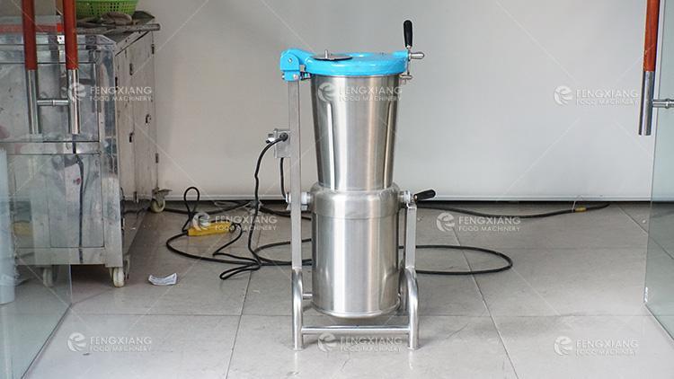 Fruit Extractor Pulper Spinach Juice Making Machine 14L 30L 45L 3