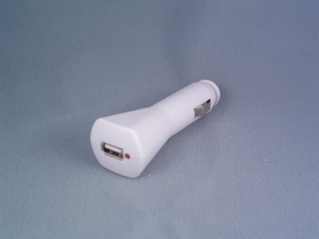 iPod nano, iPod, iPod Mini USB Car Adaptor 1