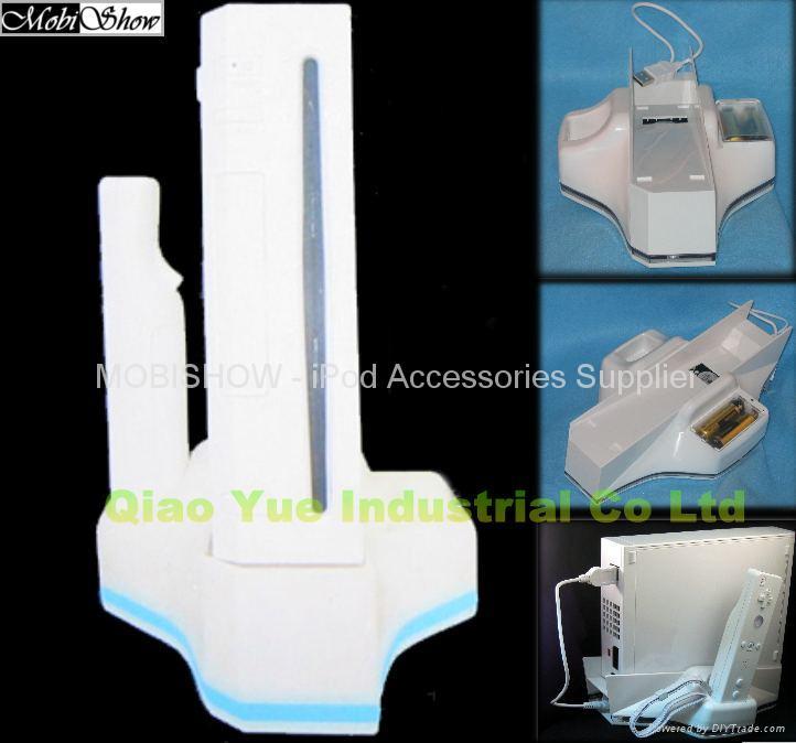 4合1 Wii 专用底座 ( 含风扇,充点器,收纳座) 1