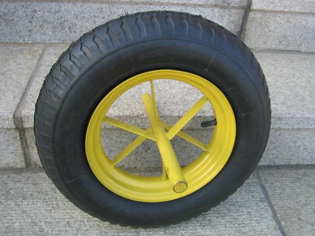 PW1402 Pneumatic Wheel 1