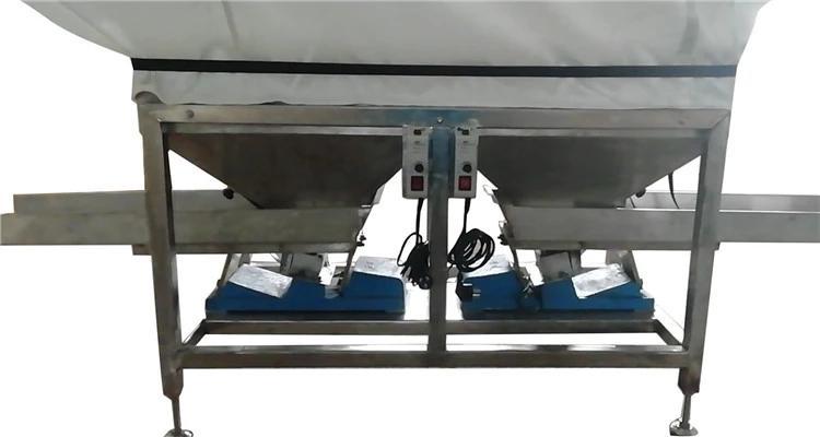 带柔性料仓的双向振动输送机 4