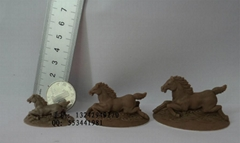 Clay carving hand plate clay carving hand plate small animal jewelry doll horse