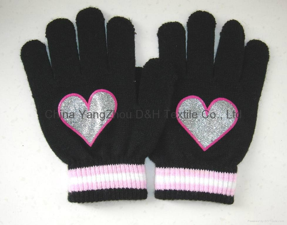 2017 HOT Fine Acrylic Knitted glove 2