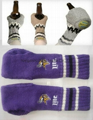 Hot Mitten/glove with cup holder