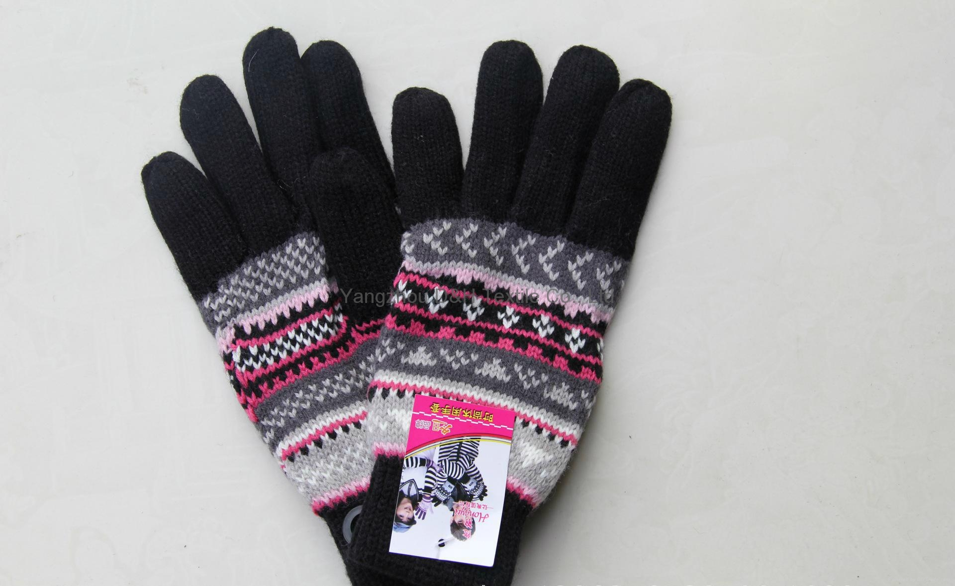 2017 HOT Fine Acrylic Knitted glove 4