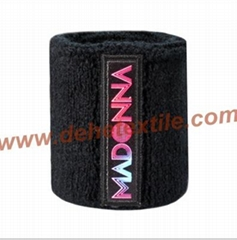 Unsex Fashionable Wrister with woven badge logo