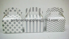 gable box Gift Boxes Packaged Boxes with Handle