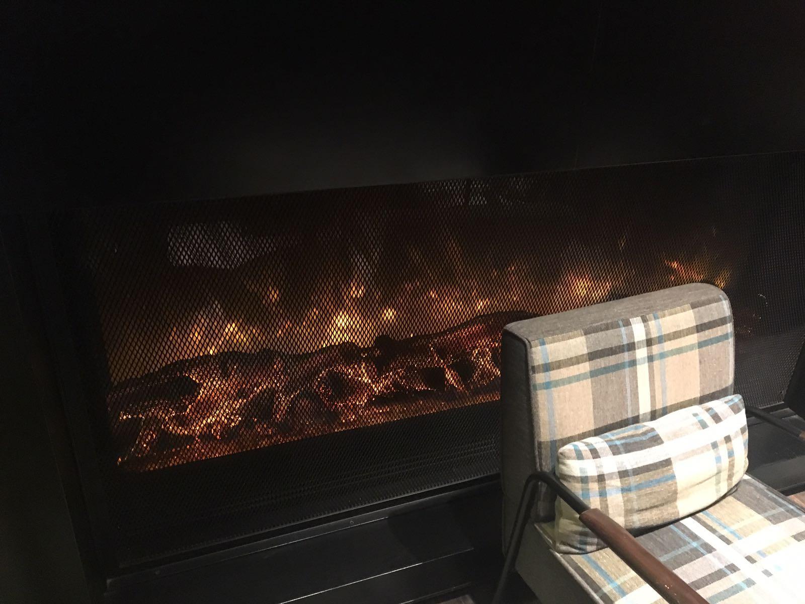 香港新蒲岗贝尔特酒店两台电子壁炉案例