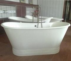Clawfoot cast iron tub