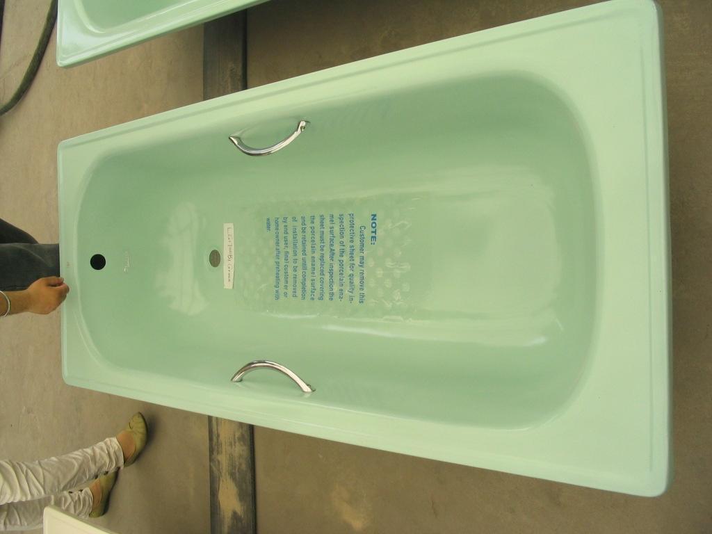 Wholesale distribution Enameled Steel bathtub 1500 1