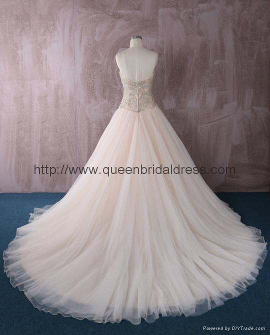Luxurious strapless  sweetheat A-line wedding dress 4