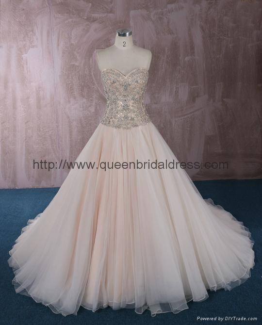 Luxurious strapless  sweetheat A-line wedding dress 1